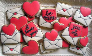 how-to-make-heart-envelope-love-note-lovenote-sugar-cookie-decorated-royal-icing-tutorial