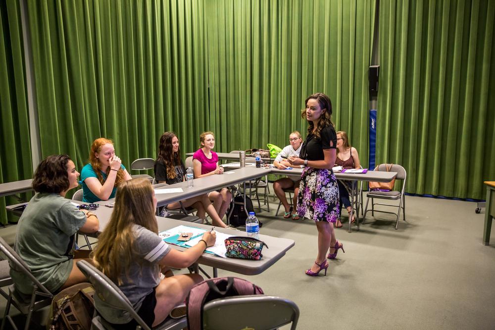 Katie Belenchia speaking at a Freshman Advantage